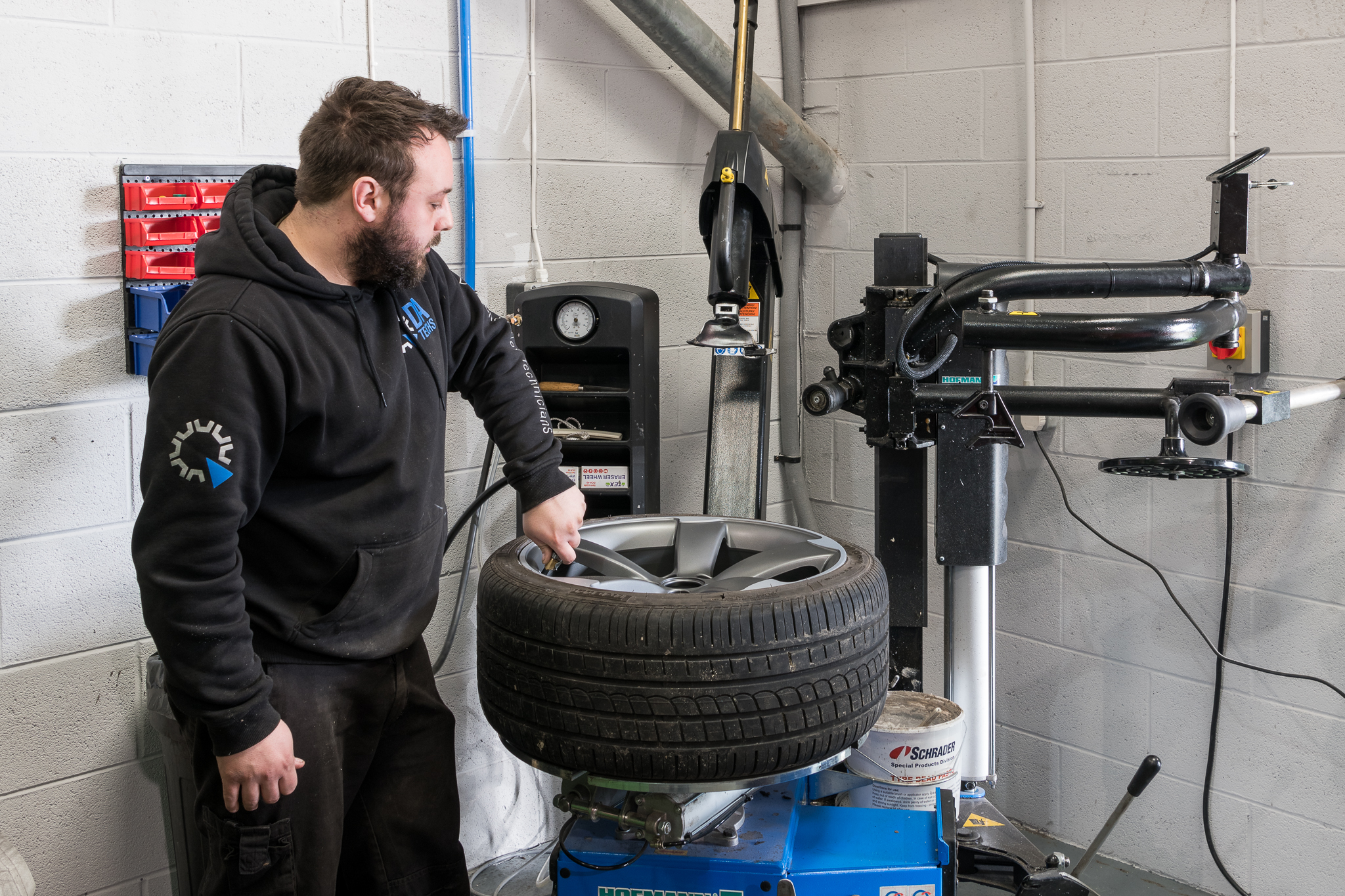 Where to refurbish alloy wheels?
