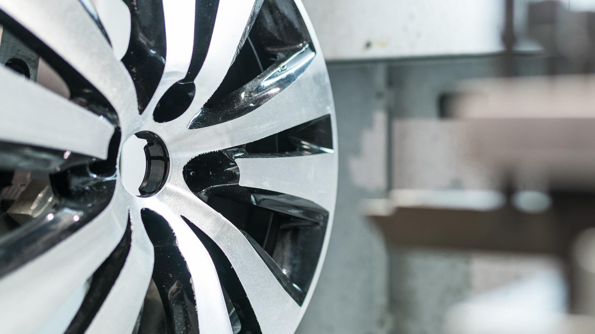 Entrepreneur launches first mobile alloy wheel refurbishment service